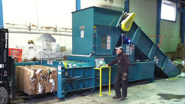 Horizontal Full Eject Baler Machine