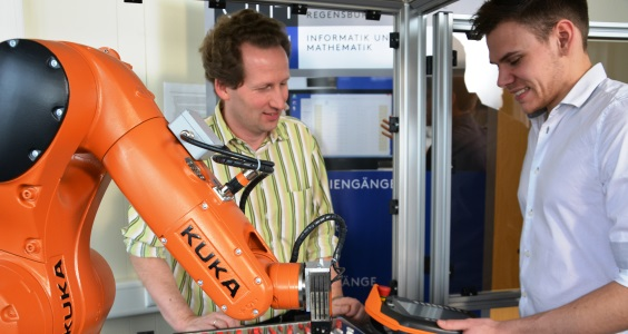 KUKA Robot at OTH