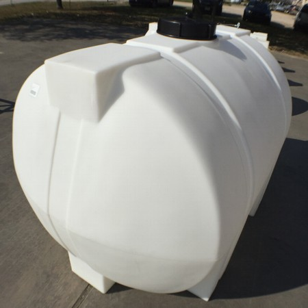 Roto Molding 550 Gallon Tank