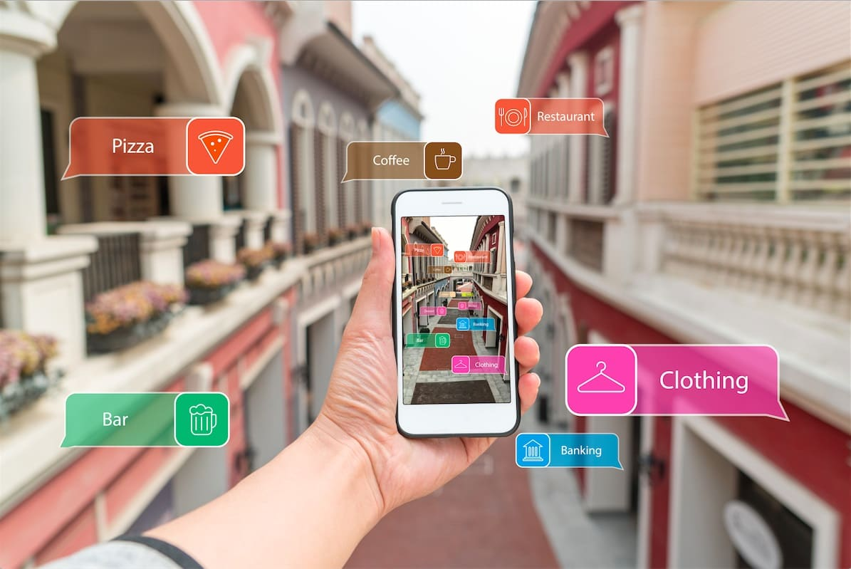 How Does Augmented Reality Differ from Virtual Reality?