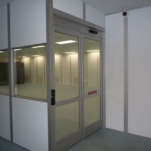 Class 10,000 Cleanroom - Class One Cleanroom Systems